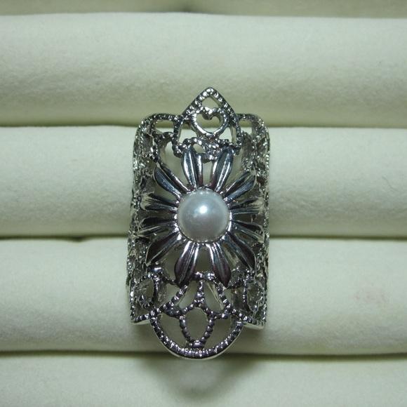 unknown Jewelry - Costume jewelry:  ring